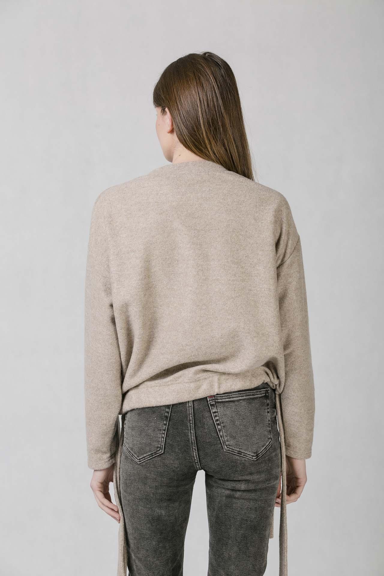 ONEDAY belt sweatshirt beige. Dámská mikina volnějšího střihu ... 07304b323d