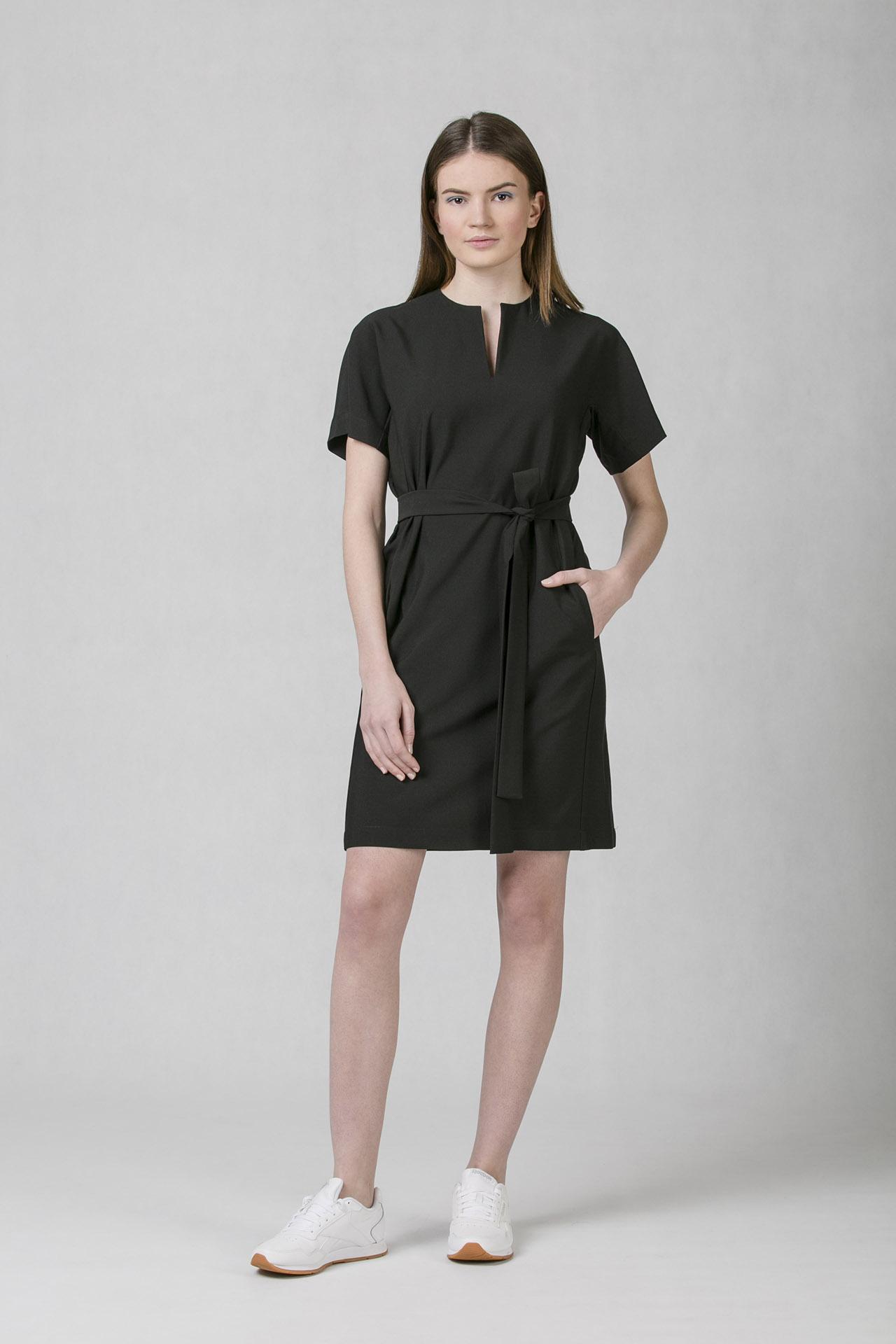 45c925e942c4 Společenské šaty černé Oneday s decentním V výstřihem
