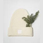 Vlněná čepice bílá