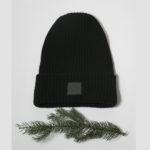 Vlněná čepice černá